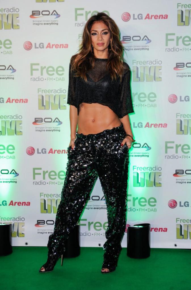 Photos : Nicole Scherzinger : nombril à l'air pour un live électrique !