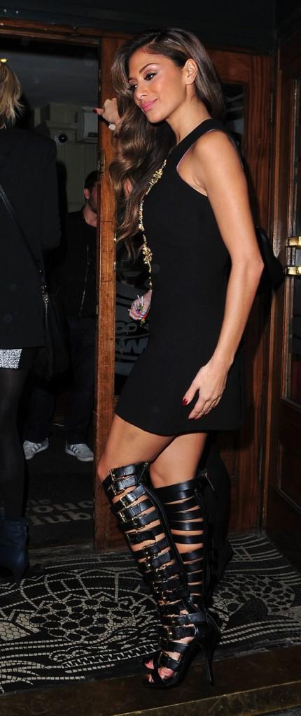 Photos : Nicole Scherzinger : teint hâlé, corps délicieusement moulé... la star charme la capitale britannique !