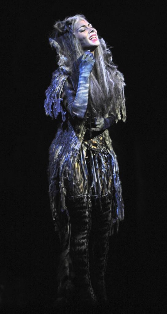 Nicole Scherzinger à Londres le 9 décembre 2014