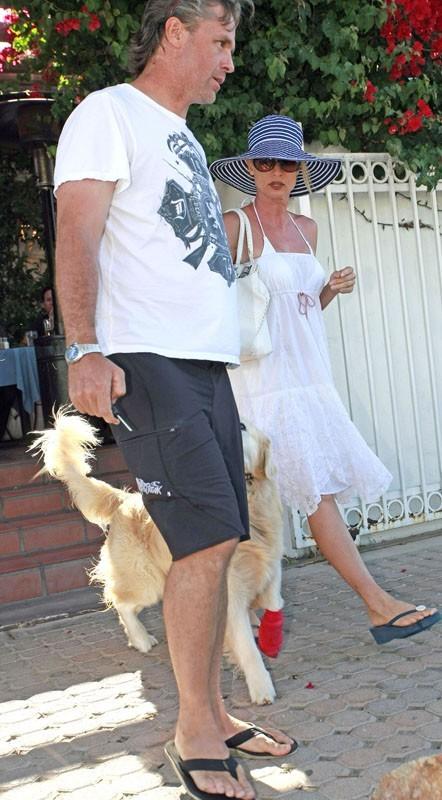 Sortie au restaurant son chéri et le gros chien !