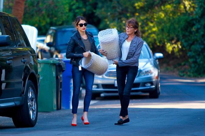 Nikki Reed : loin de son beau Ian, elle prête main forte à sa maman !