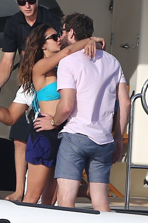 Photos : Nina Dobrev et Austin Stowell : bons baisers de Saint-Tropez !