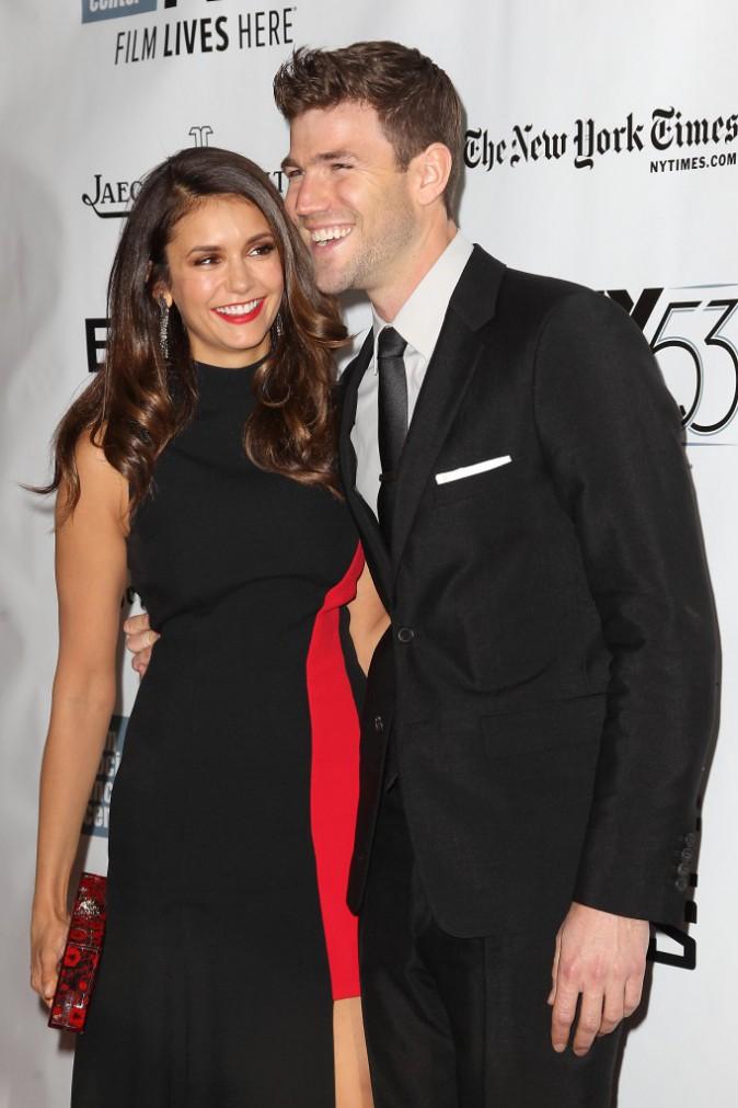 Photos : Nina Dobrev et Austin Stowell : premier red carpet pour le couple glam !