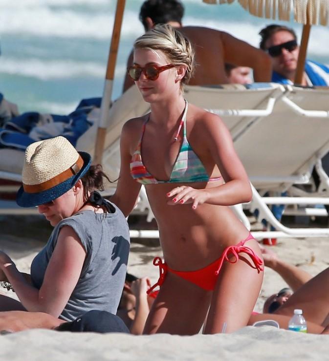 Julianne Hough en vacances à Miami, le 28 avril 2013.