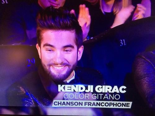 Kendji Girac reçoit son 2eme prix de la soirée: chanson francophone de l'année !