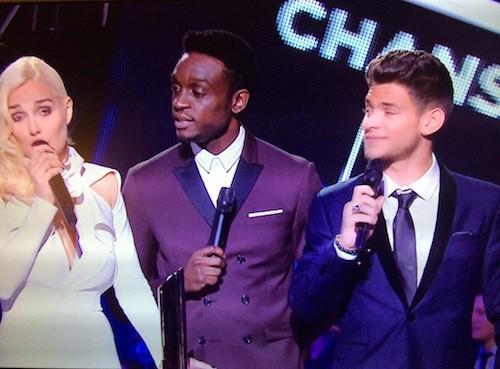 Rayane Bensetti, Corneille et Camille Lou remettent le prix de la chanson francophone de l'année à Kendji Girac