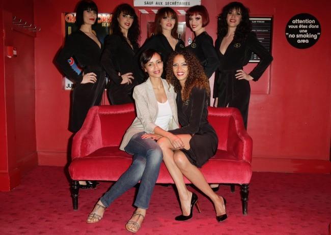 Sonia Rolland,  Noémie Lenoir et les danseuses du Crazy Horse