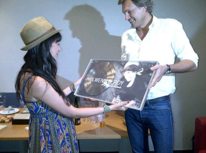 Photos : Nolwenn reçoit son disque de diamant des mains d'Olivier Nusse
