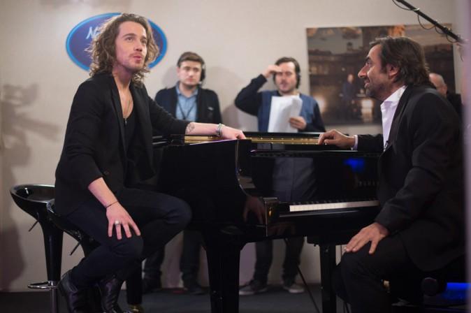 Julien Doré et André Manoukian pendant l'enregistrement de la Nouvelle Star spécial Noël à Issy les Moulineaux le 16 décembre 2013