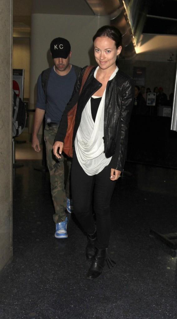 Olivia Wilde et Jason Sudeikis à leur arrivée à l'aéroport de Los Angeles le 29 mai 2013