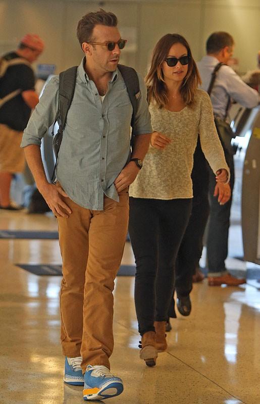 Olivia Wilde et Jason Sudeikis à l'aéroport de New York