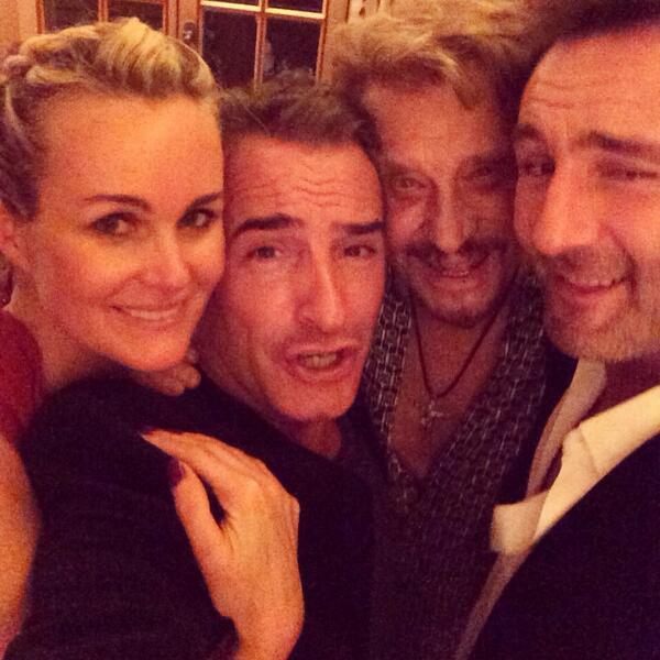 Laeticia et Johnny Hallyday accompagnés de Jean Dujardin et Gilles Lelouche !