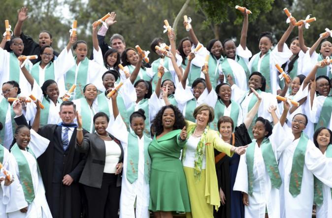 Oprah Winfrey et les diplômées de son école de filles en Afrique du Sud