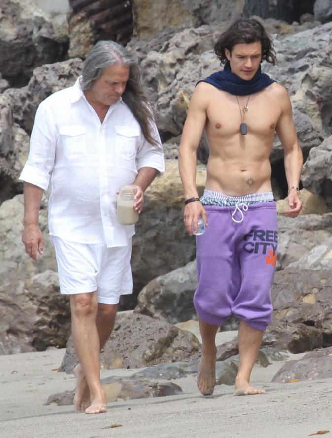 Photos : Orlando Bloom : canon et sexy torse nu alors que ses problèmes d'alcool surgissent à nouveau...