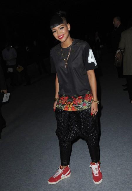 Cassie lors du défilé Kanye West à Paris, le 6 mars 2012.