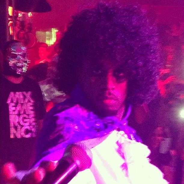 Le chanteur se déguisera en Prince pour le 31 octobre !