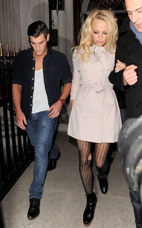 Pamela Anderson à Londres le 7 janvier 2013