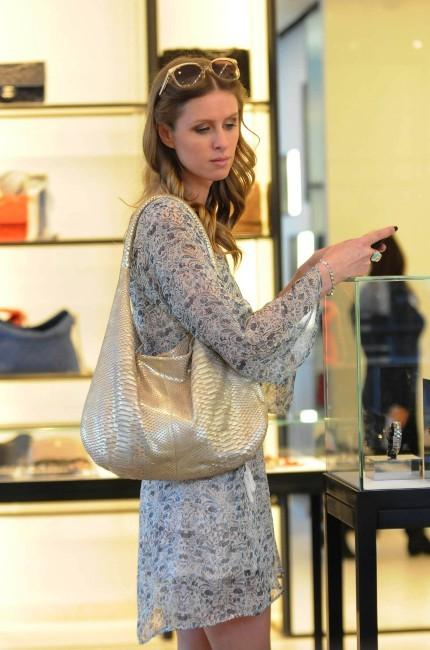 Nicky Hilton en plein shopping à Beverly Hilss, le 25 janvier 2012.