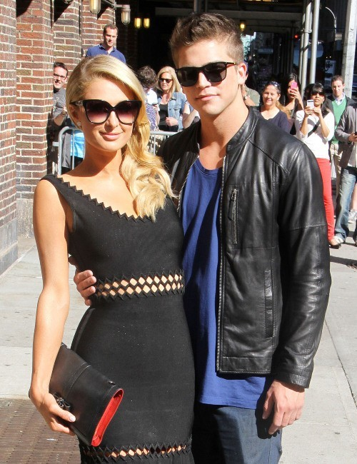 "Paris Hilton et River Viiperi se rendant sur le plateau du ""Late Show with David Letterman"" à New York, le 2 mai 2013."