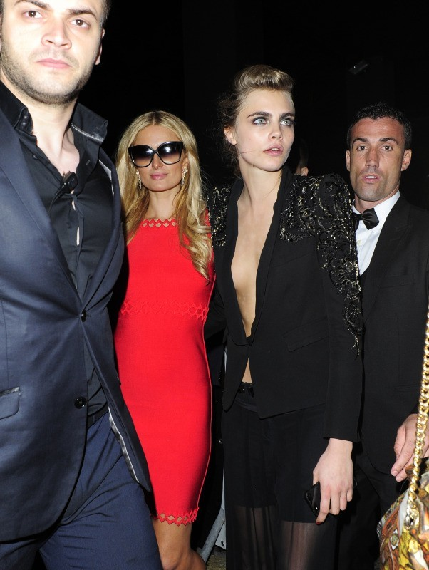 Paris Hilton et Cara Delevingne au Festival de Cannes, le 16 mai 2013