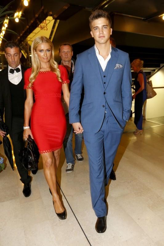 Paris Hilton et River Viiperi au Festival de Cannes, le 16 mai 2013