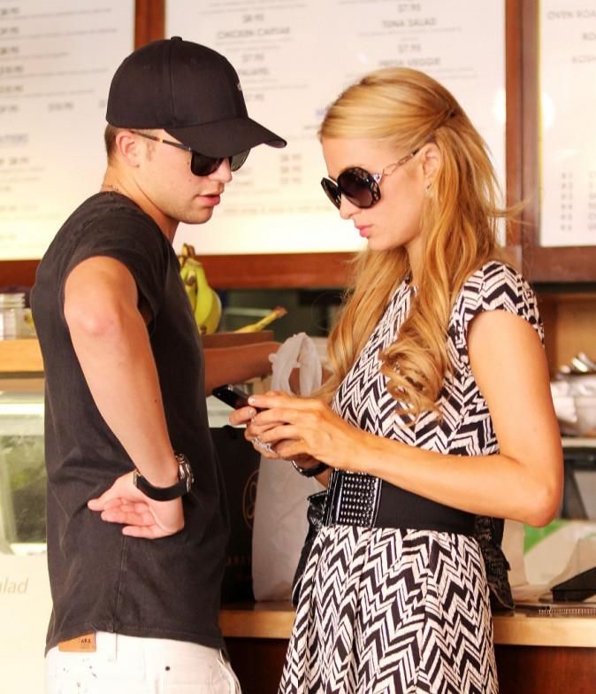 Paris Hilton: avec son boyfriend River Viiperi, elle a trouvé chaussure à son pied !