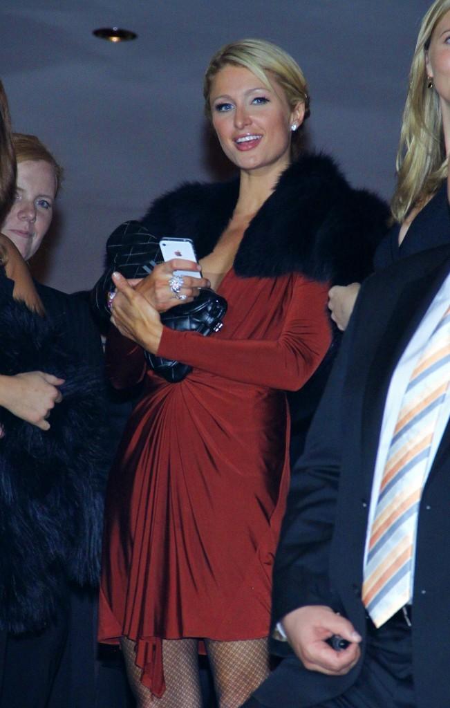 Paris hilton pour la première de la comédie musicale Dirty Dancing à Oberhausen , le 19 octobre 2011.