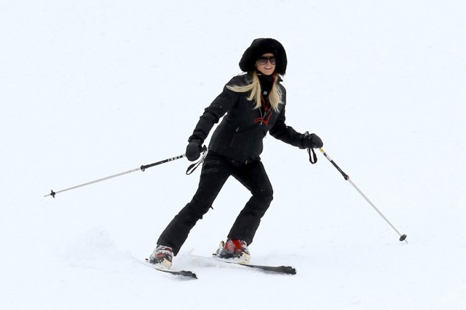 Paris Hilton avec River Viiperi à Aspen le 18 décembre 2012