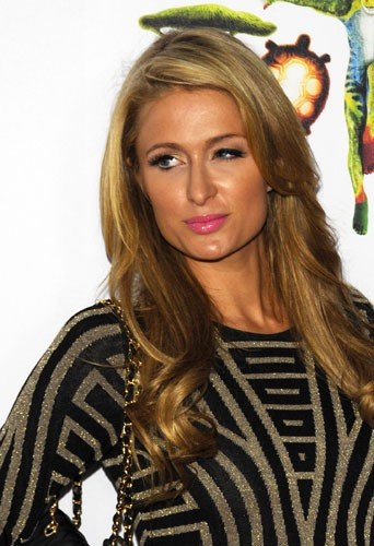 Photos : Paris Hilton : golden girl mutine pour faire son cirque !