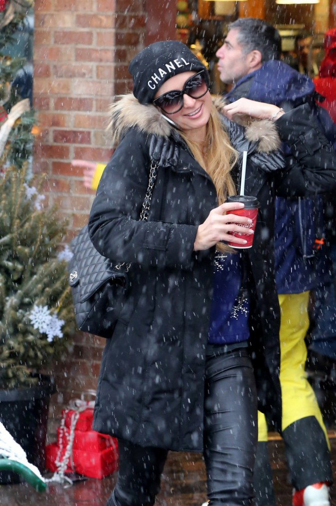 Paris Hilton le 21 décembre 2014
