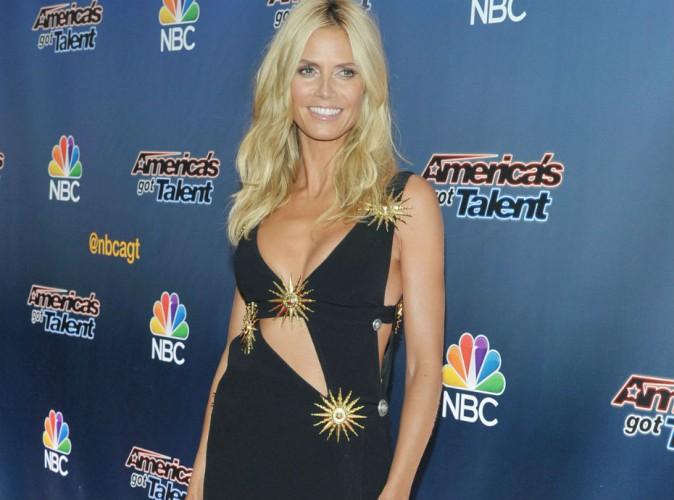 """Peau bronzée et gros décolleté, Heidi Klum en forme pour reprendre """"America's Got Talent"""" !"""