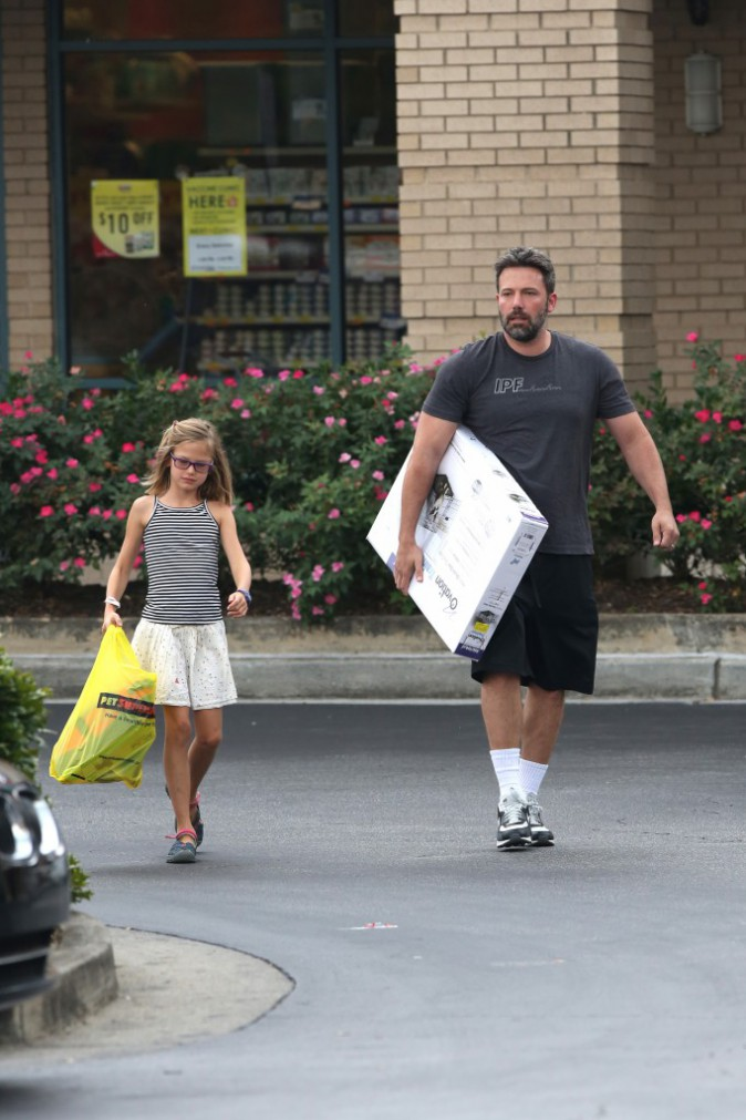 Pendant que Jennifer Garner s'éclate, Ben Affleck s'occupe de Violet !