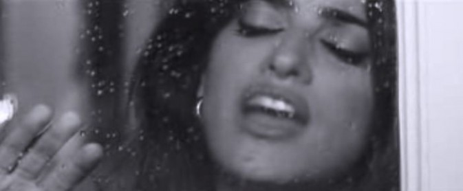 Penelope Cruz dans le dernier clip de Miguel Bosé