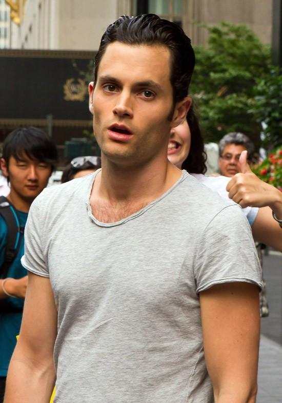Penn Bagdley sur le tournage de Gossip Girl à New-York le 21 août 2012