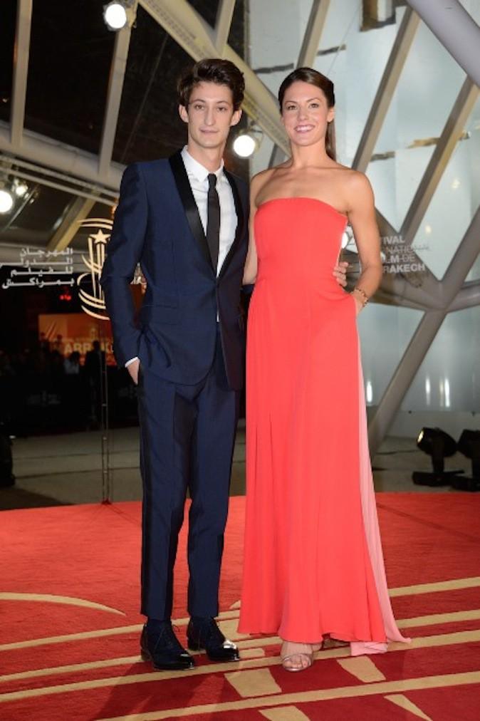 Pierre Niney sort avec l'actrice Natasha Andrews !