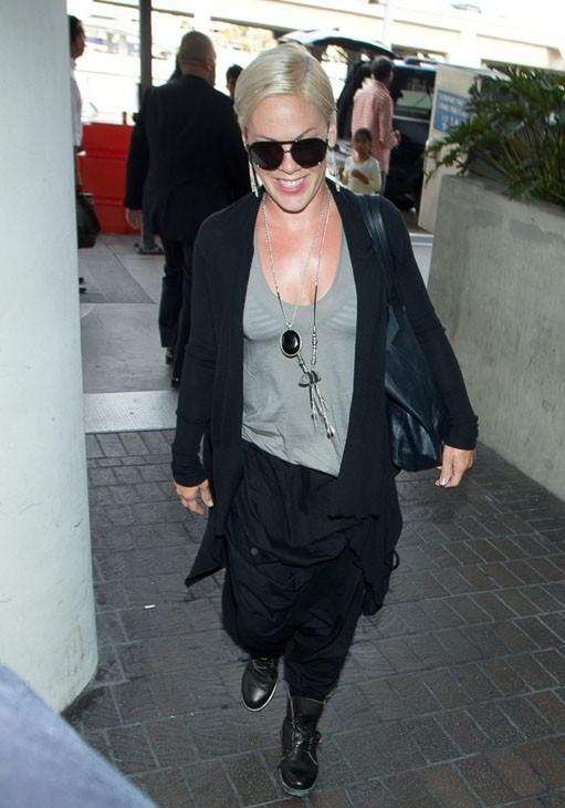 Pink à l'aéroport de Los Angeles le 1 er juillet 2014