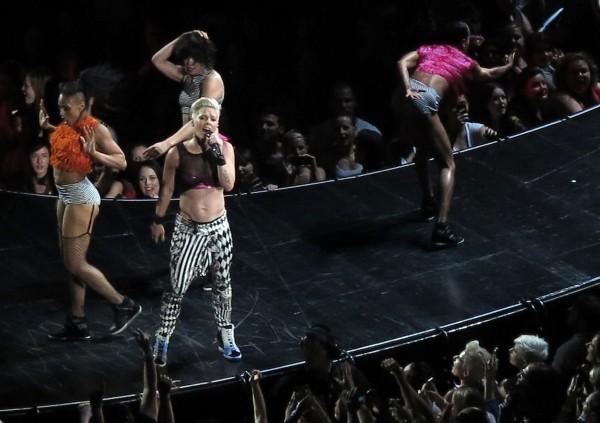 Pink sur scène, à Perth