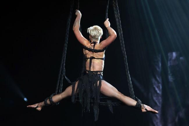 Pink à Phoenix pour la première date de son Truth About Love Tour le 13 février 2013