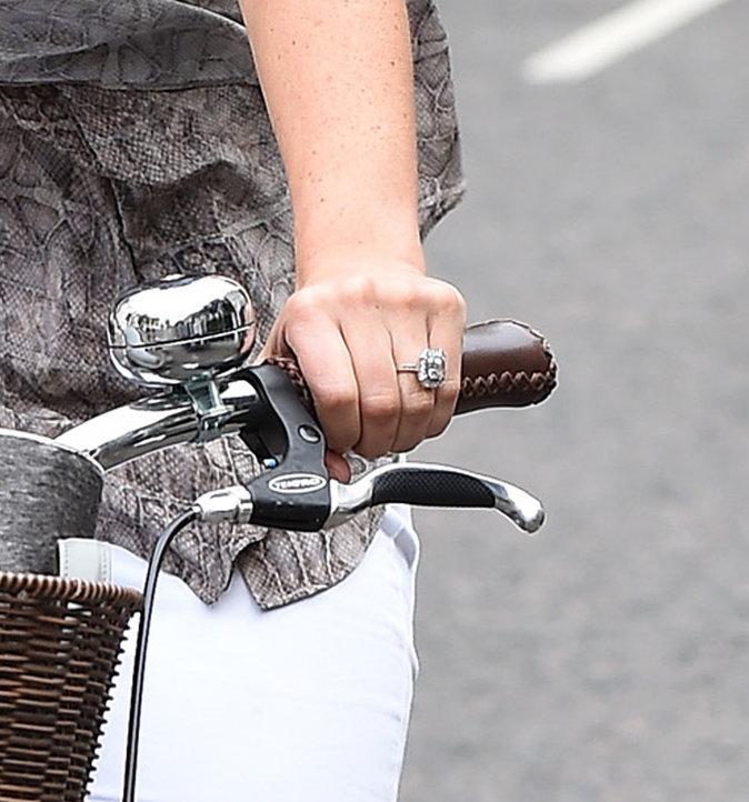 Pippa Middleton a dévoilé sa bague de fiançailles