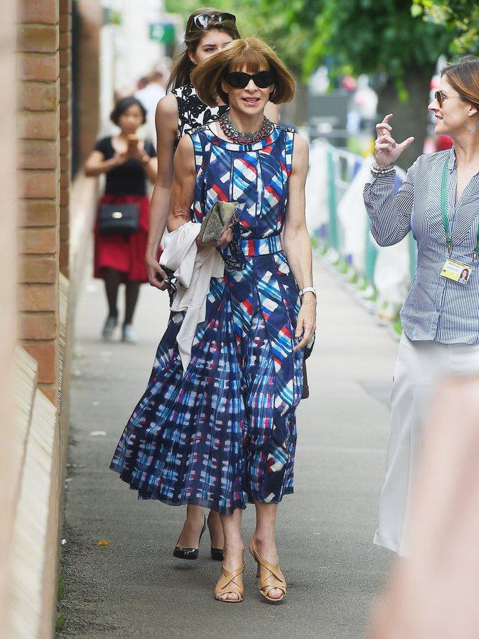 Anna Wintour a opté pour la robe longue bleue
