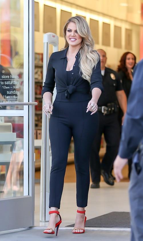 Photos : plus en 3D que jamais, Khloe Kardashian s'en prend à Jamie Foxx !