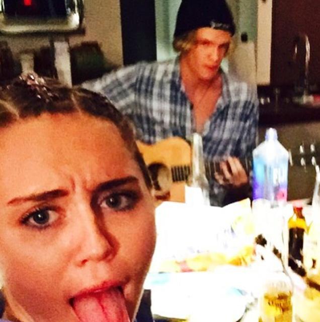 Miley Cyrus et Cody Simpson
