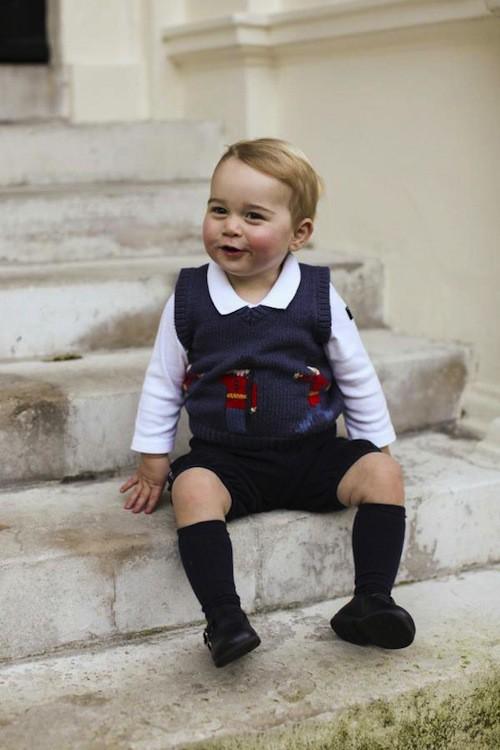 Photos : Prince George : à croquer sur de nouveaux clichés pour Noël !