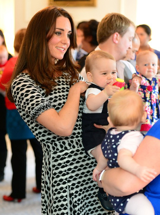 Kate Middleton et le Prince George à la fête organisée en soutien à la Plunket Association de Wellington le 8 avril 2014