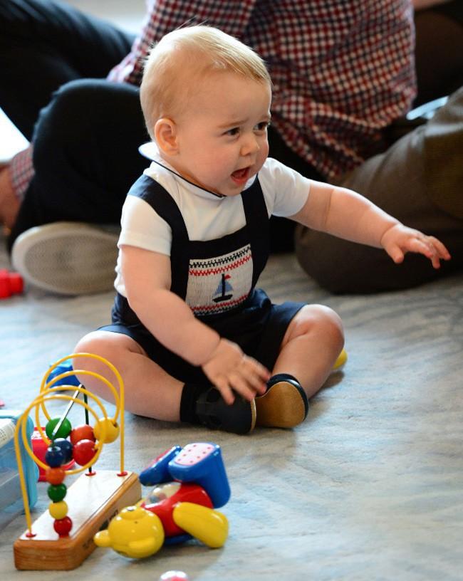 Le Prince George à la fête organisée en soutien à la Plunket Association de Wellington le 8 avril 2014