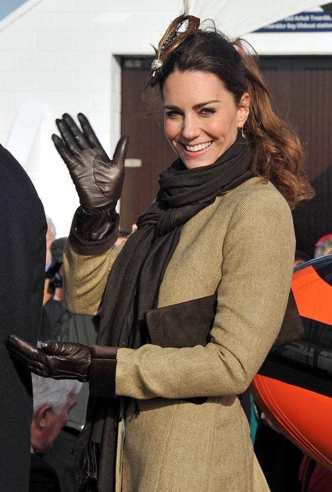 Kate Middleton est élégante, souriante... Une vraie lady !