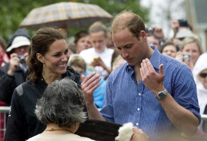 William fait le pitre pour amuser Kate !