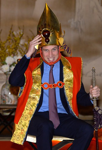 Photos : prince William : sans Kate Middleton, il se plie à toutes les fantaisies !