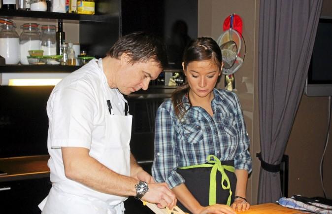 Yoaké San s'essaye à la cuisine locale