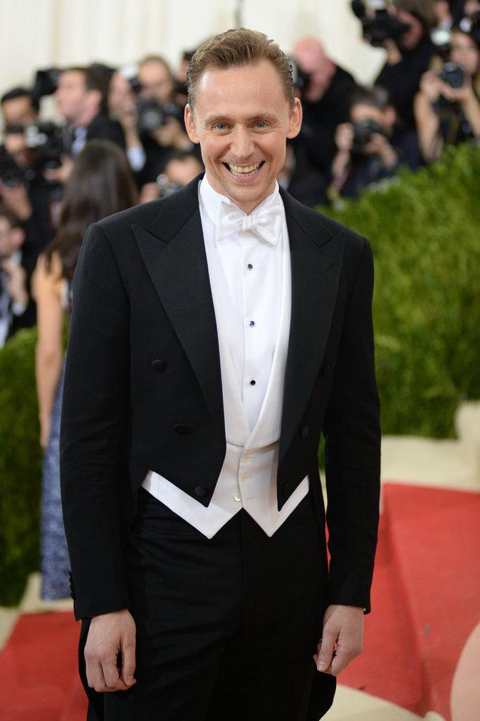 Photos : Public Man Crush : Tom Hiddleston parmi les beaux gosses du Met Gala 2016 !